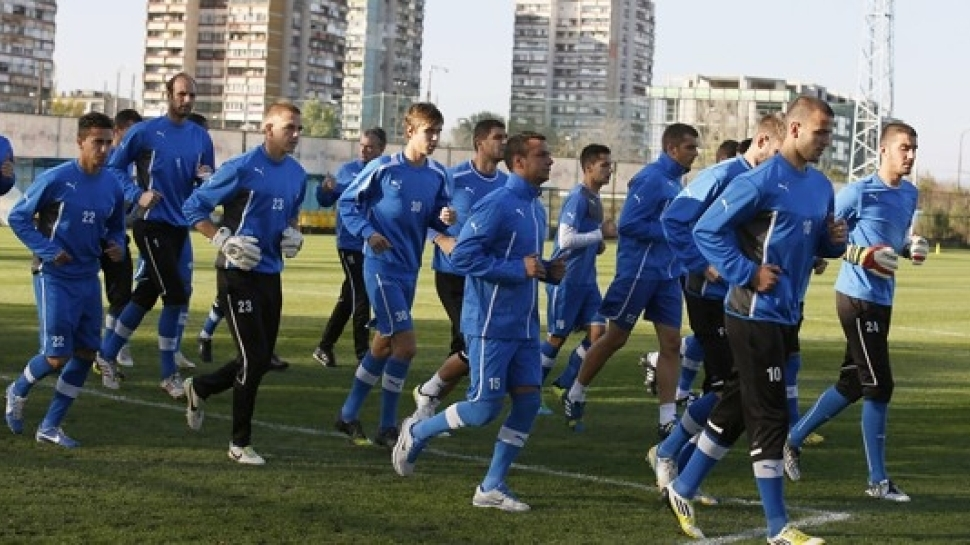 Георги Янев и Станислав Иванов тренират с мъжкия тим