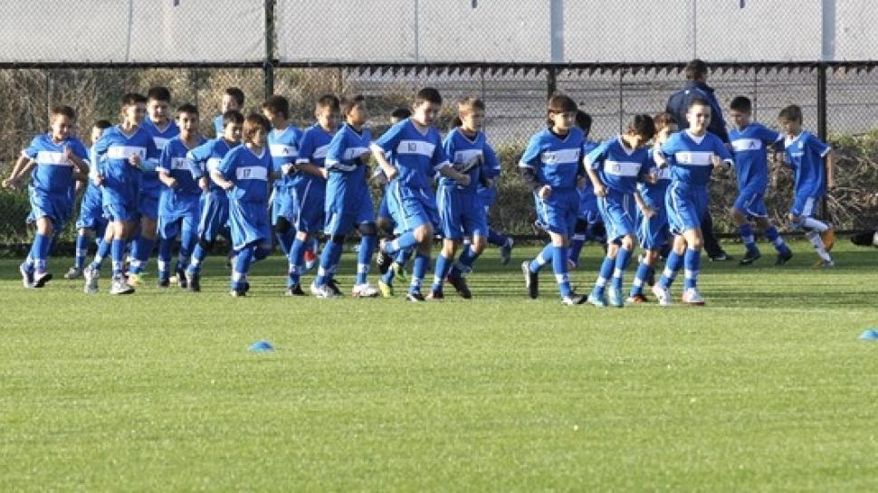 ФК Левски-Раковски обявява кастинг за попълване на отборите